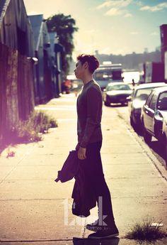 T.O.P.(BIGBANG) in NY.  One slim vertical line on the horizon.  #top #bigbang