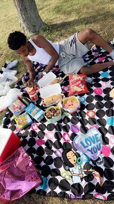 Surprise picnics in the park Relationship Pictures, Relationship Goals Pictures, Couple Relationship, Cute Relationships, Black Couples Goals, Cute Couples Goals, Couple Goals, Cute Date Ideas, Gift Ideas