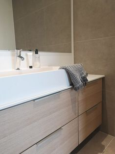 Maanläheisin sävyin - Unique Home Bathtub, Bathroom, Unique, Home Decor, Standing Bath, Washroom, Bathtubs, Decoration Home, Room Decor