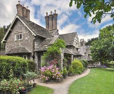 mimirscopybook: Double Cottage Blaise Hamlet by John the Neath on Flickr.