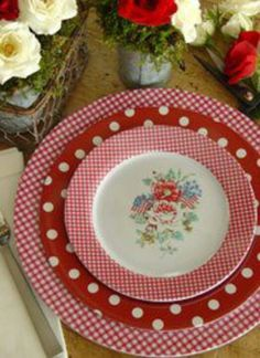 Red and White Gingham and Polka Dots Plates Dinner Sets Uk, Melamine Dinnerware, Tableware, Dinnerware Sets, Red Cottage, Red Gingham, Red Kitchen, Decoration Table, My Favorite Color