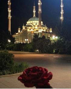 Mekka, Islamic Architecture, Islamic Pictures, Mosques, Islam Quran, Muslim Couples, Muslim Fashion, Allah, Hollywood