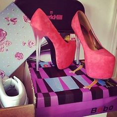 Ladies, what do you think of these pretty pink shoes?!! Xoxo