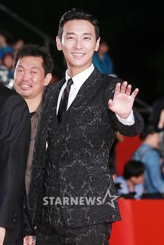2015 Busan International Film Festival's opening red carpet » Joo Ji-hoon