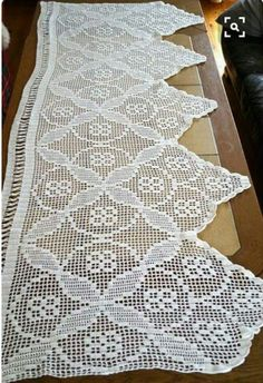 2 X Swedish window valances White crochet valances Handmade Window valance Long Window curtain Window dressing 194 cm width, 72 cm Height Crochet Doily Patterns, Crochet Borders, Filet Crochet, Crochet Motif, Crochet Designs, Crochet Doilies, Hand Crochet, Crochet Lace, Cushion Cover Pattern