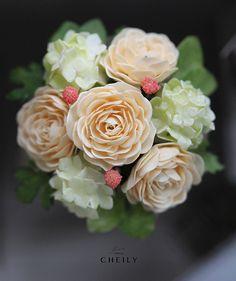Dollhouse miniature flowers- Gentle Breeze by CheilysMiniature on Etsy