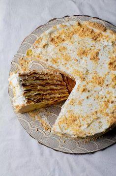 Banana Thousand Layers Cake - Pilar's Chilean Food & Garden Torta Pompadour, Thousand Layer Cake, Chilean Recipes, Chilean Food, Camembert Cheese, Cupcake Cakes, Cupcakes, Cake Recipes, Layers