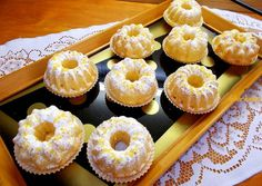 Narancsos muffin Muffin Recipes, Cake Recipes, Cakes And More, Mini Cupcakes, Cake Cookies, Deserts, Food And Drink, Cooking Recipes, Sweets