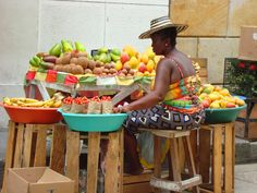 Street vender in Cartagena