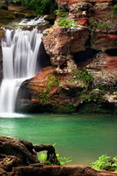 Hocking Hills State Park (Corkscrew Falls), CO. a lush and hidden waterfall gorge