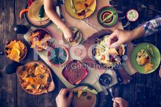 Eating Mexican Eggs and Tortilla Chips with Salsa and Jalapenos – lizenzfreie Stock-Fotografie