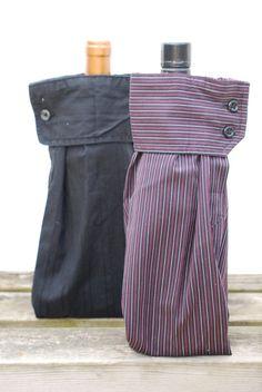 Boyfriend gift ideas 797418677759350420 - Men's Dress Shirt Wine Sleeve Gift Bags. (Wine Bottle Bag) Source by roxanabrodersen Sewing Hacks, Sewing Crafts, Sewing Projects, Tie Crafts, Bottle Bag, Wine Bottle Crafts, Wine Bottle Gift, Gift Bags, Men Dress