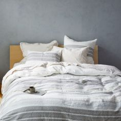 Shop a great selection of Lost Coast Organic Single Duvet Cover Coyuchi. Find new offer and Similar products for Lost Coast Organic Single Duvet Cover Coyuchi. Full Duvet Cover, Single Duvet Cover, Duvet Cover Sizes, Bed Duvet Covers, King Duvet, Queen Duvet, Organic Duvet Covers, Bedding Master Bedroom, Ruffle Bedding
