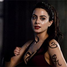 Isabelle Lightwood, Makeup Inspiration, Character Inspiration, Alec And Jace, Pochette Cd, Matthew Daddario, Clary Fray, City Of Bones, Malec
