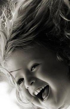 Smiles! Sorrisos! Sonrisa! Criança sorrindo - smile child - children - riso - risada - sorrir faz bem