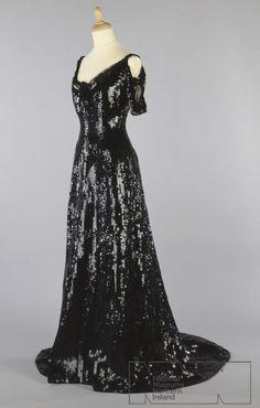 Dress 1909 Ulster Museum
