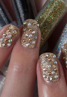 Get gem nails for an instant SS13 update!