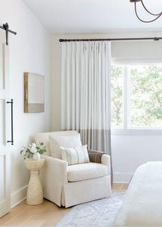 Feng Shui Bedroom Layout, Bedroom Layouts, Bedroom Designs, Bedroom Ideas, Living Room Decor, Living Spaces, Living Rooms, Living Room Curtains, Bedroom Drapes