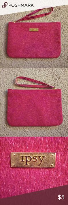 👛 Fuzzy Pink Ipsy Cosmetic Bag No trades. Gently used. Bag only - no products. I ship same or next day! Ipsy Bags Cosmetic Bags & Cases
