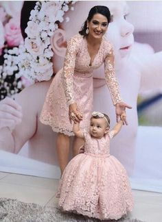 39 Ideas For Baby Girl Princess Mother Daughters Mommy Daughter Dresses, Mother Daughter Matching Outfits, Mother Daughter Fashion, Mommy And Me Outfits, Mom Dress, Little Girl Dresses, Baby Dress, Flower Girl Dresses, Mother Daughters