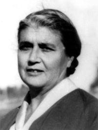 María Moliner, una de las mujeres más destacadas de las letras españolas del siglo XX http://www.mujeresenlahistoria.com/2013/10/la-academica-sin-sillon-maria-moliner.html