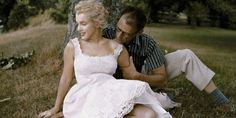 38 Rare Photos From Marilyn Monroe's Turbulent Marriages Images From Marilyn Monroe's Marriages – Pictures Documenting Marilyn Monroe's Marriages Marilyn Monroe Bild, Marilyn Monroe Wedding, Marilyn Monroe Painting, Marilyn Monroe Photos, Marilyn Monroe Marriages, Marriage Pictures, Angeles, Actor Studio, Marlene Dietrich