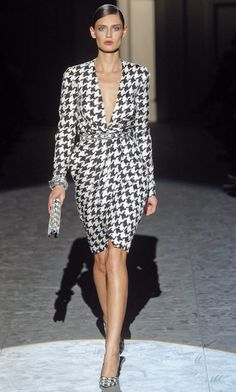 Salvatore Ferragamo Fall 2011...hounds-tooth pattern...loooove