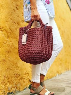 Discover thousands of images about Rope bag / Unique design Bag from rope / Handmade crochet bag / market bag… Crochet Clutch, Crochet Handbags, Crochet Purses, Crochet Bags, Love Crochet, Knit Crochet, Yarn Bag, Crochet Motifs, Macrame Bag
