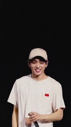 Shared by b! Find images and videos about kpop, bts and jungkook on We Heart It - the app to get lost in what you love. Jungkook Jeon, Jungkook Oppa, Foto Jungkook, Bts Bangtan Boy, Namjoon, Jungkook Smile, Jung Kook, Foto Bts, Bts Photo