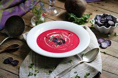 Rote Bete Suppe mit Wasabi & lila Kartoffelchips