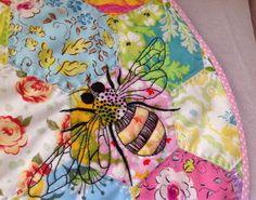 Bee Happy by Mirabilys Quelquepart