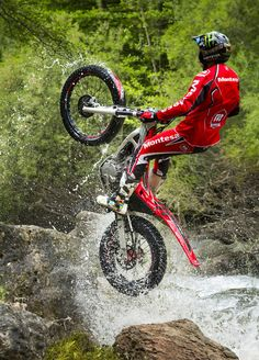 Montesa 2 - Toni Bou by Arnau Puig on 500px
