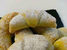 Pavlova, Cakepops, Doughnut, Hamburger, Bread, Desserts, Food, Tailgate Desserts, Deserts