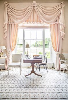 At home with India Hicks and her mother at The Grove in England. curtains At home with India Hicks and her mother at The Grove in England. Cortinas Shabby Chic, Rideaux Shabby Chic, Elegant Curtains, Beautiful Curtains, Hanging Curtains, Drapes Curtains, Blush Curtains, Drapery Panels, Valances