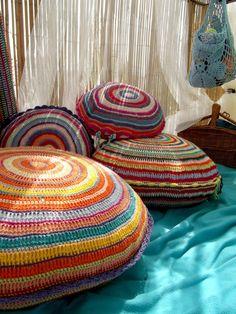 round crochet pillows