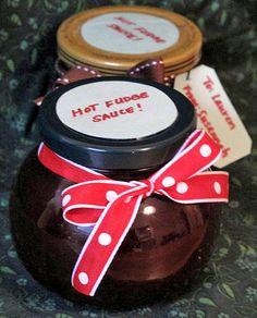 Easy Homemade Holiday Gift: Hot Fudge Sauce