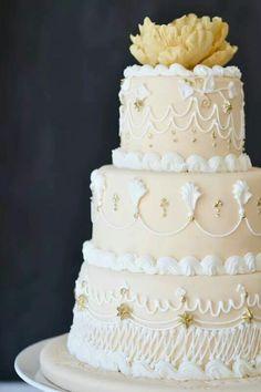 Lambeth Cake Show By Shirley Wilson