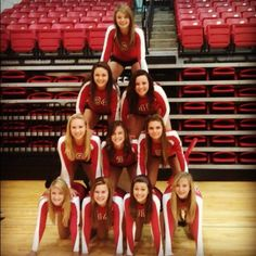 A GREAT team picture idea. Did this for my volleyball team group photo
