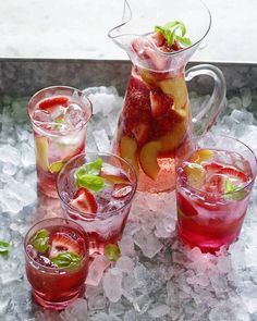 Rosé Sangria with Peaches and Strawberries from www.whatsgabycooking.com (@whatsgabycookin)