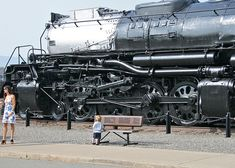 Big Boy & Little Boy, Great idea for picture!