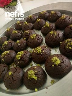 Muhteşem Browni Kurabiye #muhteşembrownikurabiye #kurabiyetarifleri #nefisyemektarifleri #yemektarifleri #tarifsunum #lezzetlitarifler #lezzet #sunum #sunumönemlidir #tarif #yemek #food #yummy Healthy Brownies, Homemade Brownies, Best Brownies, Arabic Food, Yogurt, Muffin, Food And Drink, Cookies, Chocolate