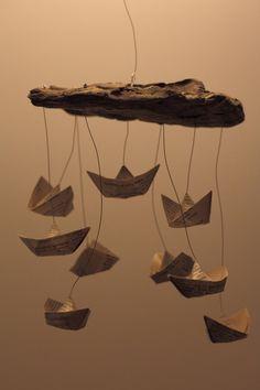 Fabriquer un #mobile bateau pour bébé : du papier, du bois, du fil... et un peu de créativité!