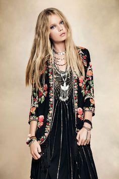 MYSTIC GIRL · Floral | We Love | Style | Fashion | Rapsodia.com