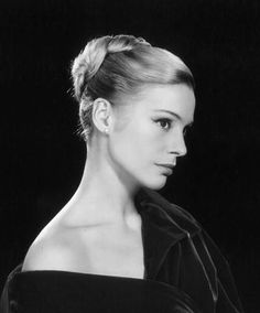 The special edition: Ingrid Thulin Classic Actresses, Actors & Actresses, Robert Cummings, Princess Grace Kelly, Bright Skin, She Movie, Glamour, Photoshoot Inspiration, Classic Beauty
