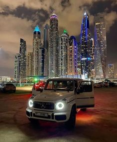 Best Car Rental, Luxury Car Rental, Best Luxury Cars, Mercedes Car, Lexus Cars, Mercedes Benz Wallpaper, Rich Cars, Dubai Cars, Dreams