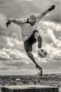 soccer #health #sport #oxylanevillage #workout #foot #football #soccer #ball