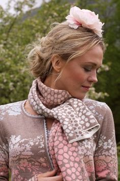 Romantic ...jacket and a very nice shawl warmth with a pink flower too { Oleana<3}