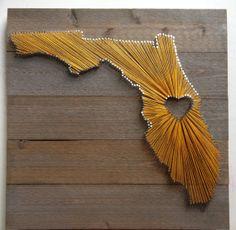 String Art States: Texas, California, Florida, New York, Pennsylvania and more - String Art DIYString Art DIY String Art Templates, String Art Patterns, Diy Arts And Crafts, Diy Crafts, Nail String Art, Nail Art, Art Vintage, Shape Crafts, Camping Crafts
