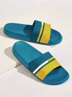 To find out about the Men Color Block Open Toe Sliders at SHEIN, part of our latest Men Flip Flops & Slides ready to shop online today! Sneakers Fashion Outfits, Casual Sneakers, Kid Shoes, Girls Shoes, Mens Sliders, Rubber Sandals, Walker Shoes, Mens Flip Flops, Hype Shoes