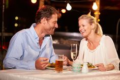Online dating in your 40's and 50's - 4 tips for success!